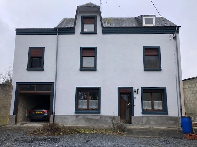 Avant la rénovation de façade à Nettoyage et Peinture de façade à Steinfort